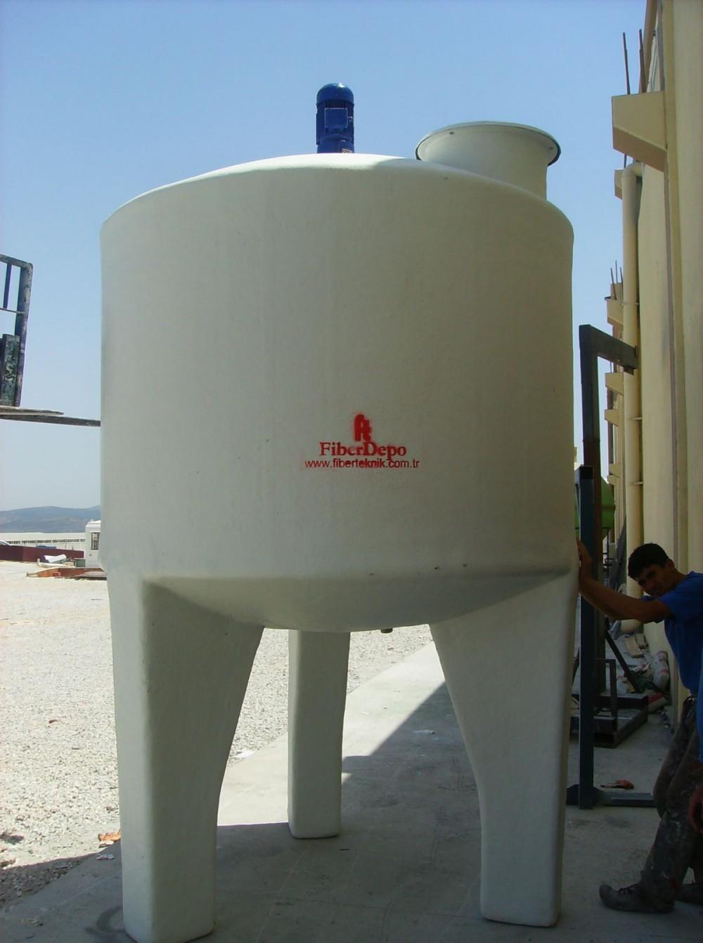 mikser-tank